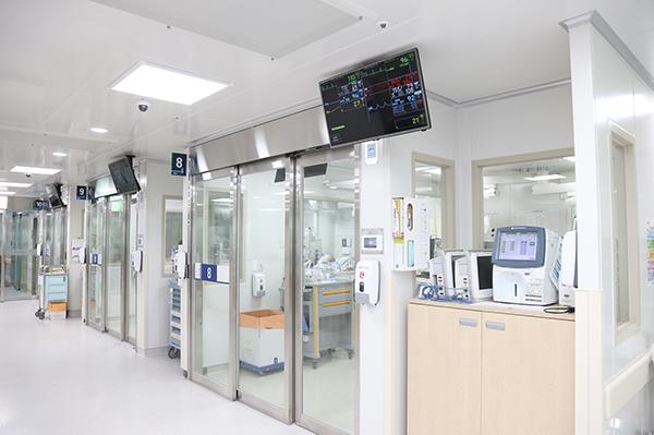 모두 1인 격리병실로 바뀐 내과계중환자실