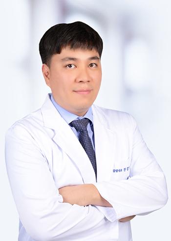 서울대병원 감염내과 전강일 교수
